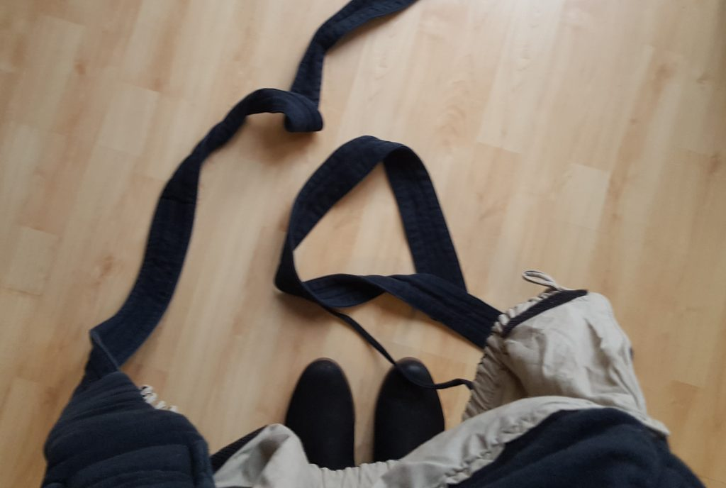 Bondolino Trage Träger schleifen auf dem Boden