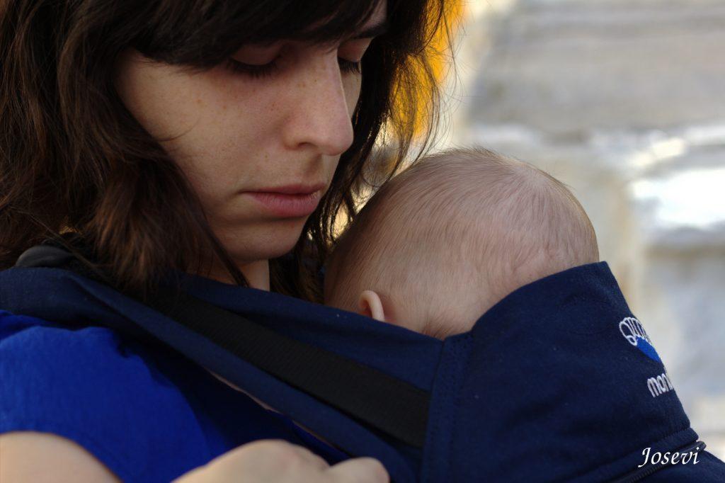 Tragetuch ohne Binden - Babytrage