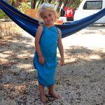 Handtuchkleid für Mädchen – in 5 Minuten zur Badeprinzessin